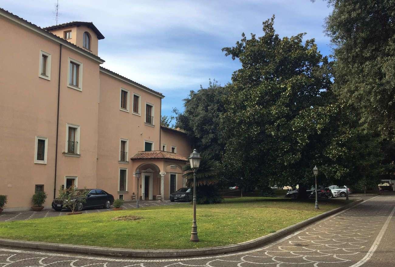 Villa A Tre Piani vendita villa uso ufficio di alta rappresentanza   sedna